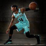 Le maillot City des Charlotte Hornets : un retour de «Buzz City»