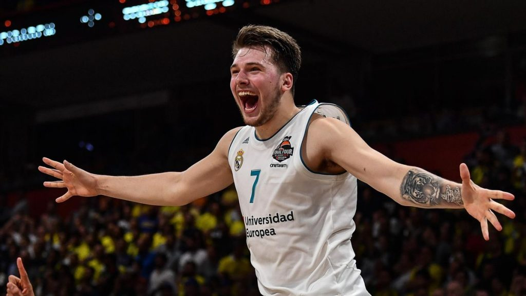 luka doncic maillot numero 77