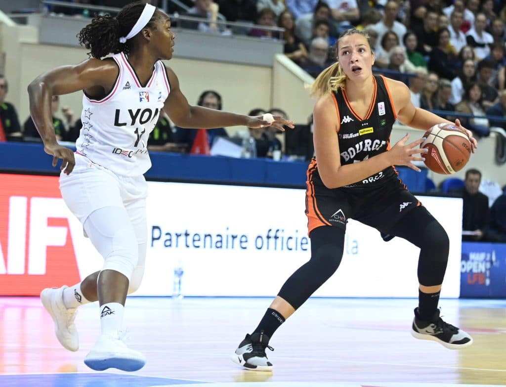 chaussure equipe france feminine basket alexia chartereau pg3 nike