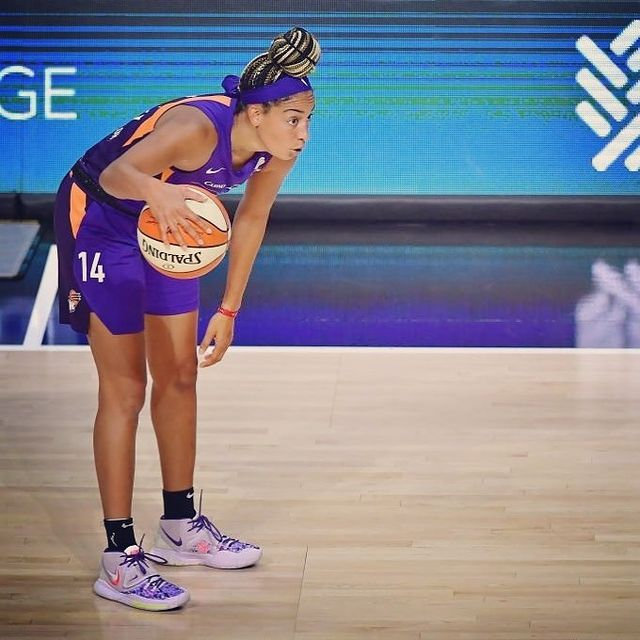 chaussure equipe france feminine basket bria hartley nike kyrie 6