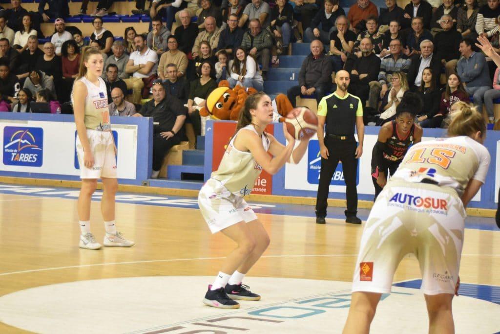 chaussure equipe france feminine basket marine fauthoux nike pg 3