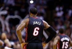 Image de l'article Le numéro 6 de nouveau sur le maillot de LeBron James