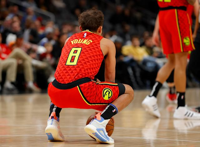 trae young maillot numero 8