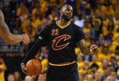 Image de l'article L'histoire des maillots NBA à manche par adidas